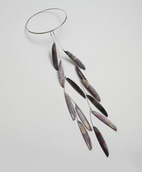 Neckpiece: 12 Red Pods, Jane Adam, 1999, Crafts Council Collection: J271. Photo: Todd-White Art Photography.