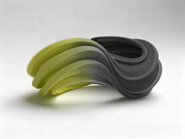 Flow Bracelet, Yoko Izawa, 2012, Crafts Council Collection: J307. Photo: Todd-White Art Photography.