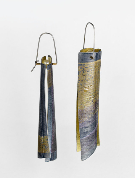 Wide razor shell earrings in grey and violet, Jane Adam, 1999, Crafts Council Collection: J274. Photo: Todd-White Art Photography.
