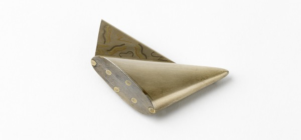 Triangular Winged Brooch With Silver Wing, Ros Conway, 1977-78, Crafts Council Collection: J86. Photo: Todd-White Art Photography.