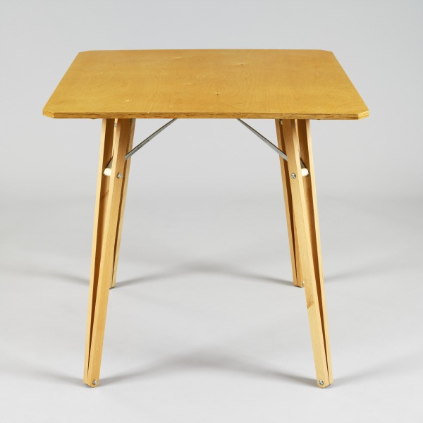 Square Table, Michael Marriott, 1994, Crafts Council Collection: W107. Photo: Todd-White Art Photography.