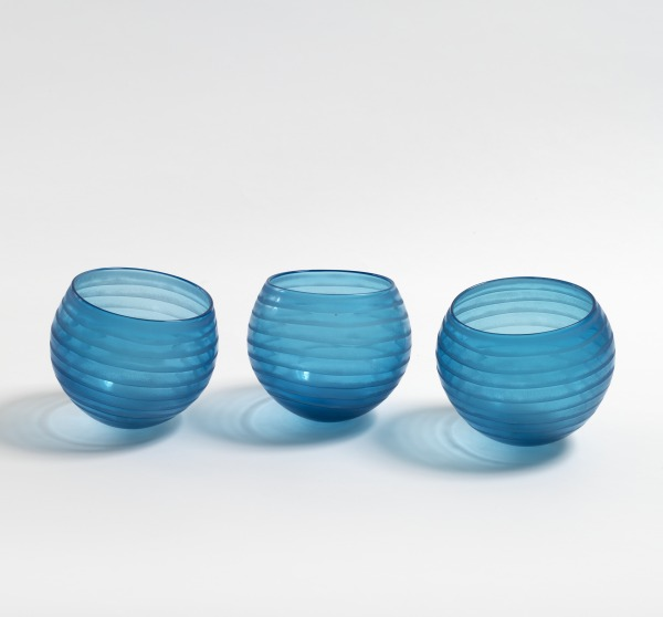 Circle Bowls, Deborah Fladgate, 1990, Crafts Council Collection: G55. Photo: Todd-White Art Photography.