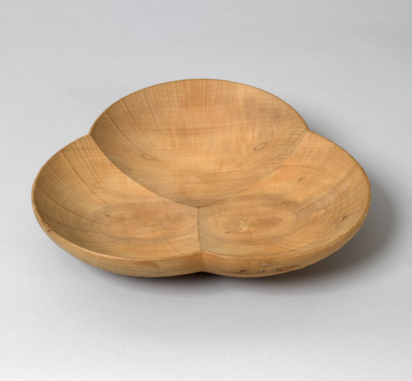 Dish, David Pye, 1972, Crafts Council Collection: W15. Photo: Todd-White Art Photography.