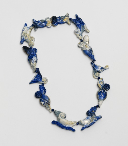Enamelled Silver Necklace, Ros Conway, 1989-90, Crafts Council Collection: J199. Photo: Todd-White Art Photography.