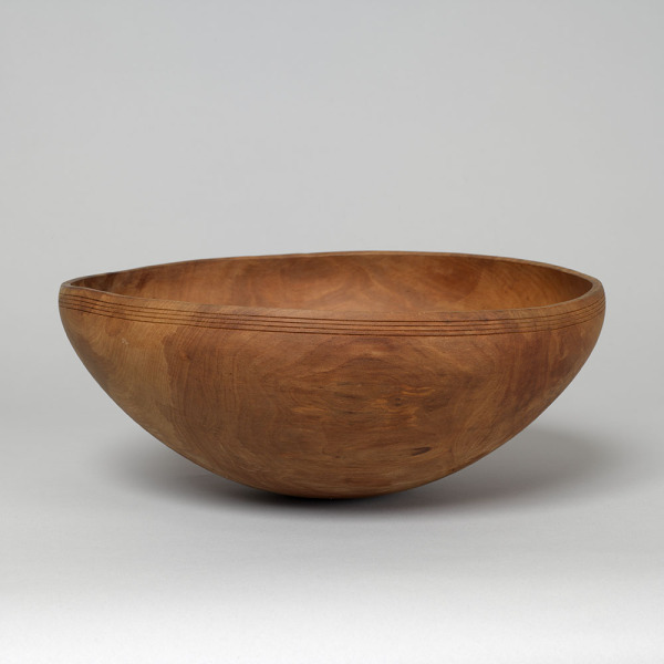 Applewood Bowl, Richard Raffan, 1980, Crafts Council Collection: W30. Photo: Todd-White Art Photography.
