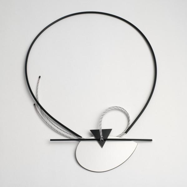 Neckpiece, Louise Slater, 1984, Crafts Council Collection: J179. Photo: Todd-White Art Photography.